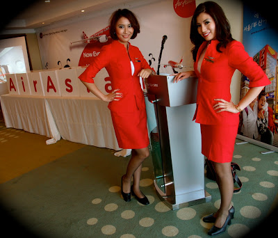 AirAsia記者会見!驚きの値段と、制服がセクシーなワケ The reason airasia's uniform so sexy, is same as the reason for the price?