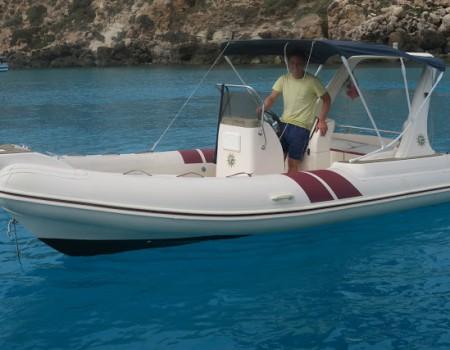 「空に浮いたように見える船」を見ることはできるのか? 母娘イタリア、ランペデューサ島旅