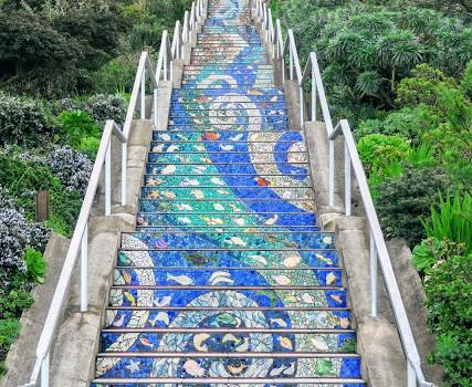 サンフランシスコの、色鮮やかなタイル階段。San Francisco Tiled Steps