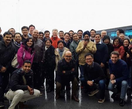 インド人40人を富士山へ通訳案内 Tour-guiding Indian people to Fuji