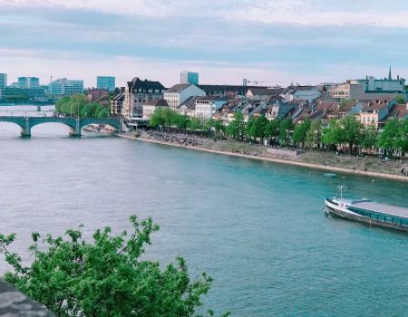 3つの国境をまたぐ都市バーゼルより〜スイスがEUに入らないわけ