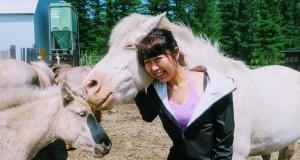 北海道で馬と群れた