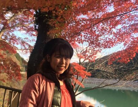 紅葉日帰りトレッキング!有間渓谷の見晴台でピクニック