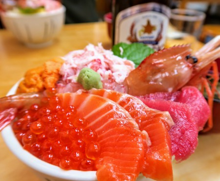 """初小樽!人気の「滝波食堂」で絶品海鮮丼を食す!Sashimi rice bowl """"Takinami Shokudo"""" @Otaru"""