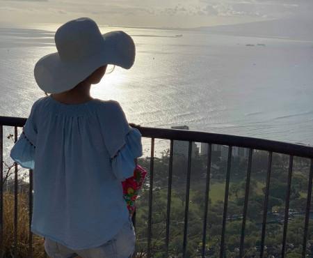 ダイアモンドヘッド登山と、景色を楽しむランチ Diamond head, Oahu, Hawaii